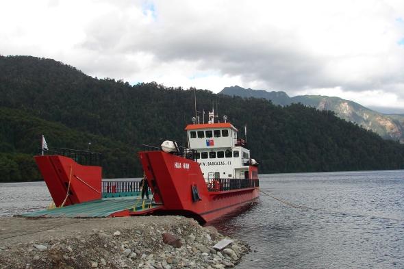 Ferry cruce Lago Pirihueico